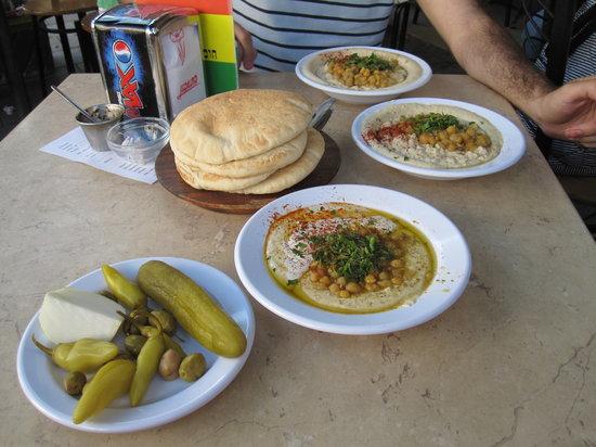 Abu Dabi: Afternoon snack/lunch