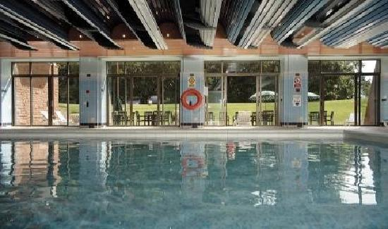 Waves Healthclub Indoor Swimming Pool Picture Of Coppid Beech Hotel Bracknell Tripadvisor