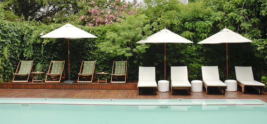 Home Hotel Buenos Aires: Lounge by the pool at Home