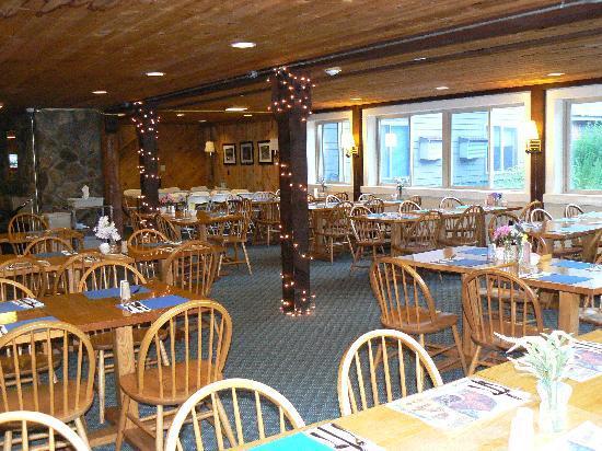 Snowy Owl Inn: Snowy Owl Dining Room