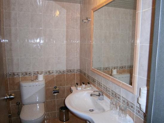 Blanca Hotel: Baño