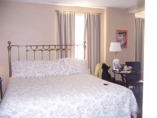 Shaw's Inn: Kind bed , very comfortable