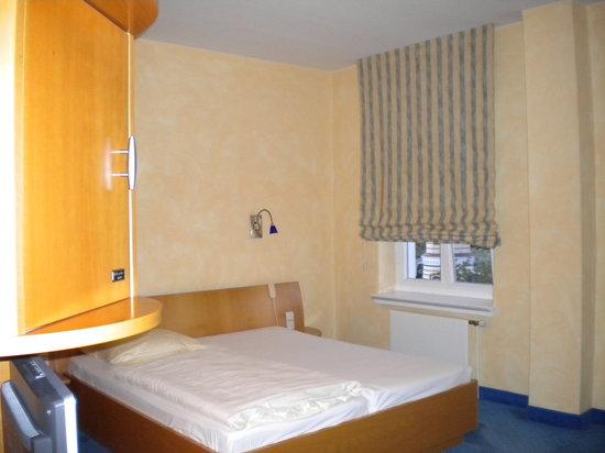 Hotel am leuchtturm bewertungen fotos preisvergleich for Warnemunde zimmer mit fruhstuck