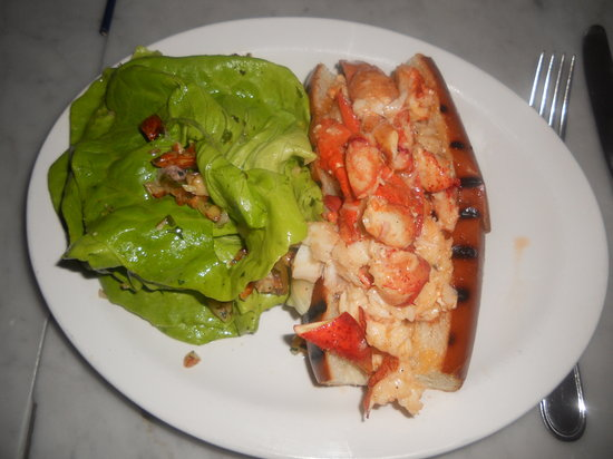 Neptune Oyster: Lobster Roll, hot with butter