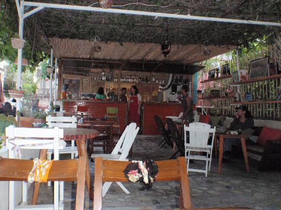 Kuytu Meyhane: Inside Kuyto cafe