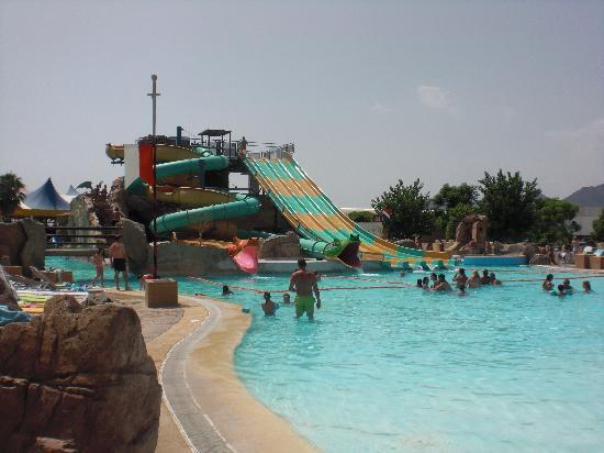 Magic Robin Hood: piscina enorme le encanto a mis hijos