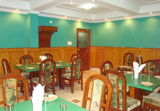East Palace Hotel & OYO Rooms Joka IIM Calcutta: East Palace Hotel