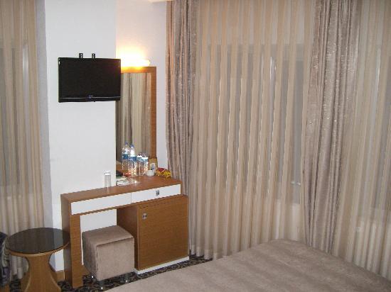 Aspalace Hotel: Minibar