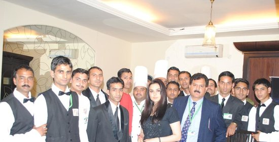 Hotel The Grand Raj