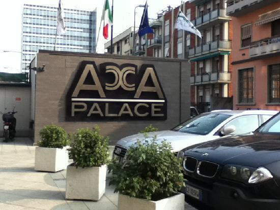 Acca Palace: entree hotel