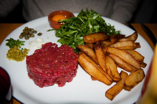 Vinoneo : beef tartare and all the fixings