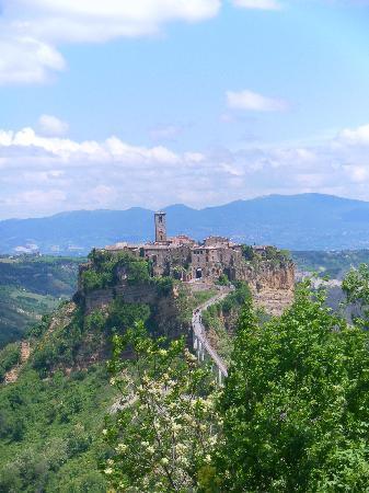 Civita di Bagnoregio, Italia: Civita dal Belvedere