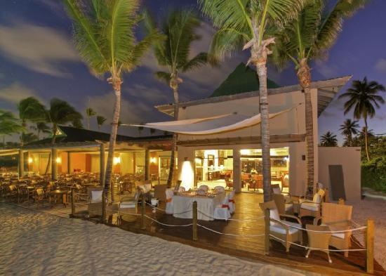 Ocean Blue & Sand : Beachfront Privilege Lounge
