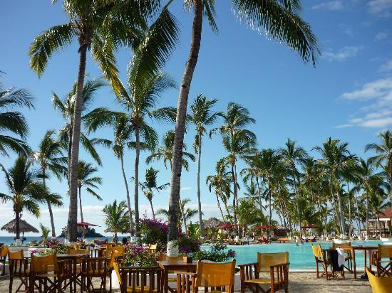 Andilana Beach Resort : BAR E PISCINA