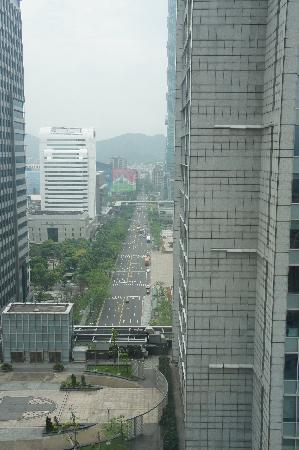W Taipei: can barely make out Taipei 101