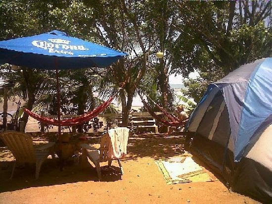 Mama Ines Hotel: Entrada al camping