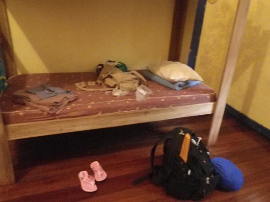 Tranquilo Backpackers: provided sheets dont count when there are bed bugs in every bed