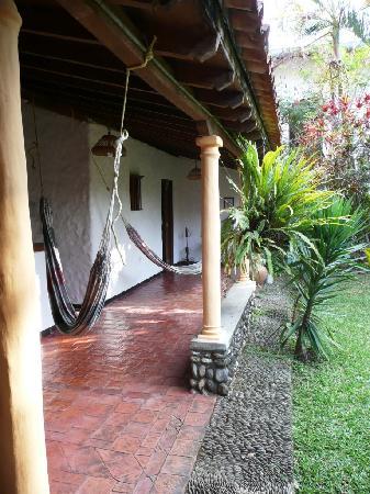 Posada Altamira Caceres: les hamacs sous la varangue