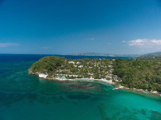 Round Hill Hotel & Villas: A Unique View of Round Hill's Peninsular Bluff