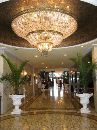 Miami Beach Resort and Spa: lobby