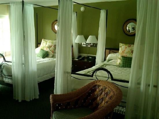 LaPlaya Beach & Golf Resort, A Noble House Resort: Our beautiful room