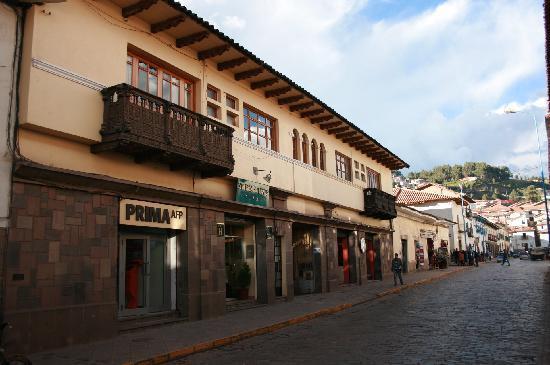 Emperador Plaza Hotel: Hotel