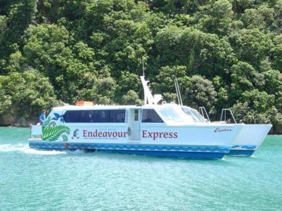 Endeavour Express Ltd : Explorer vessel
