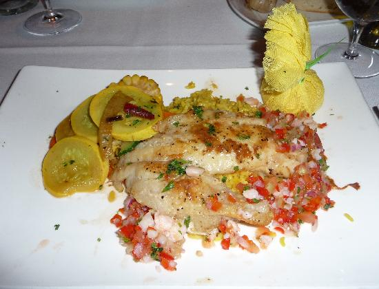 Fin's Grille and Raw Bar: Grouper