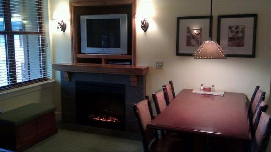 Marriott's Timber Lodge: living room