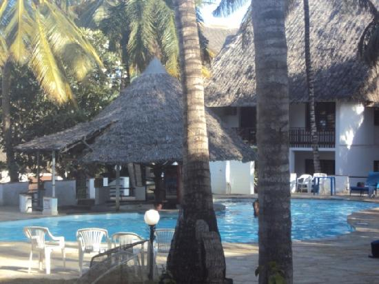 Milele Beach Hotel: More