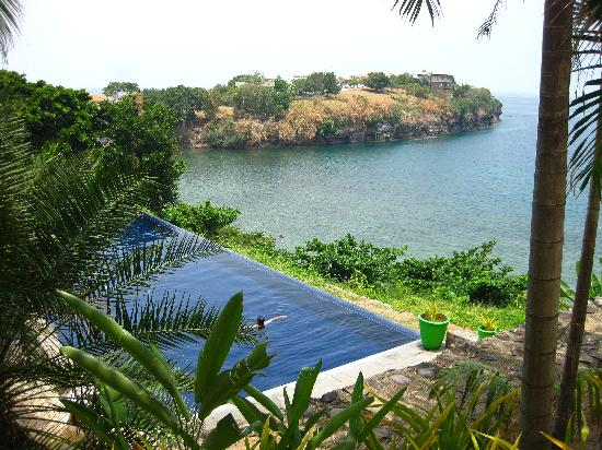 Club Punta Fuego: another view of the stacked infinity pools