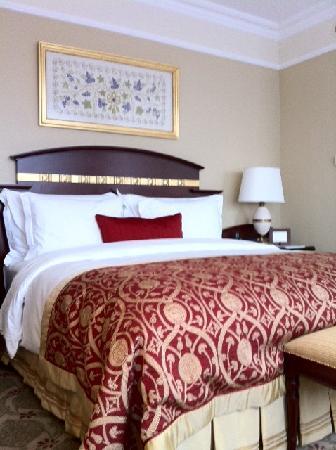 The Ritz-Carlton, Istanbul : room in hotel
