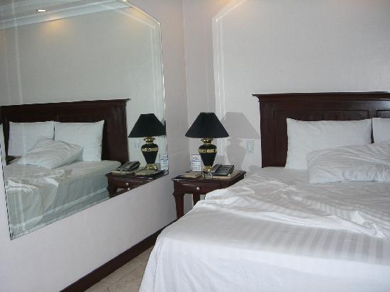 Valentino's Hotel: balconyroom