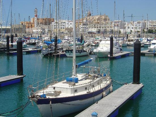 Rota, إسبانيا: Rota y su Puerto Deportivo