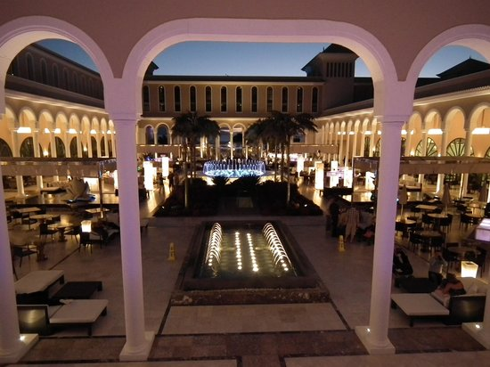 Gran Meliá Palacio de Isora Resort & Spa: Plaza