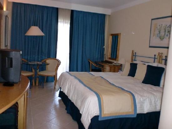 Marina Hotel Corinthia Beach Resort: Stanza