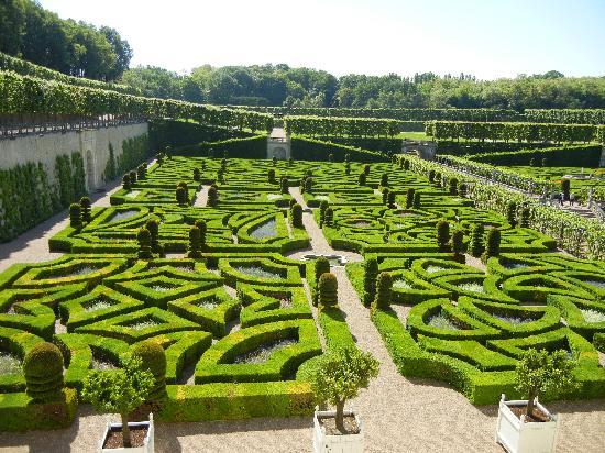 Ornamental Gardens - Picture of Chateau de Villandry, Villandry ...