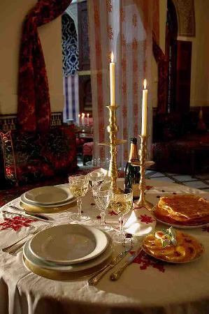 La Maison Bleue: Restaurant