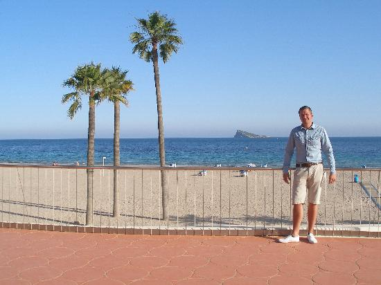 Beach picture of hotel poseidon playa benidorm for Hotel poseidon playa