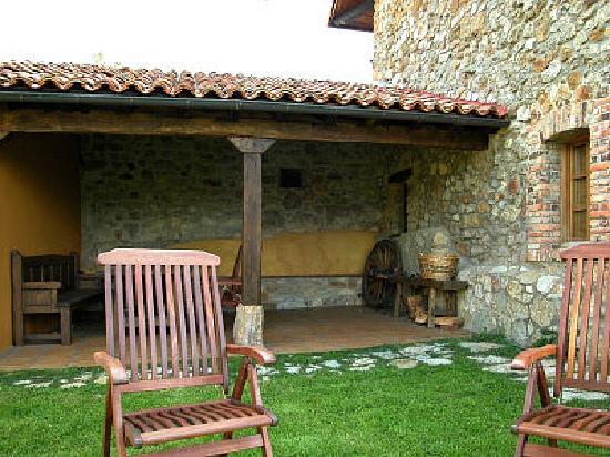 Robledo de la Guzpena, สเปน: Porche de La Venta del Alma