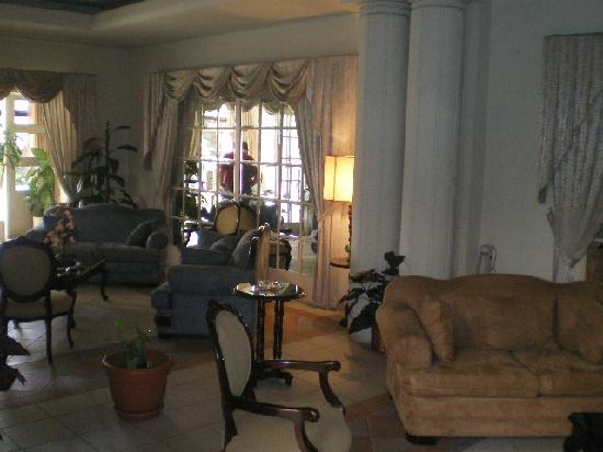 Hotel Bresciani: Lobbie