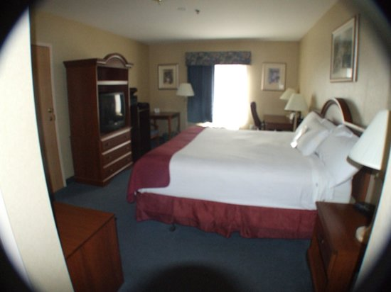 Baymont Inn & Suites Manchester - Hartford CT: Guest Bedroom - King Bed