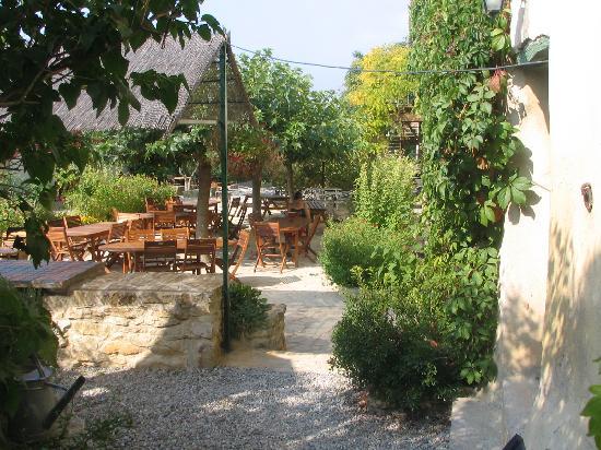 Domaine de Fraisse : Restaurant terrasse