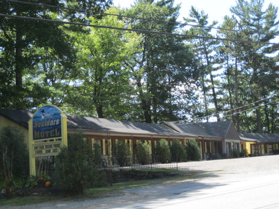 Photo of Boulders Motel & Cottages Holderness