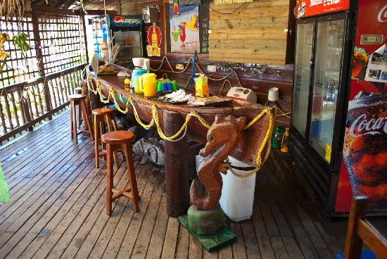 Barside, West Bay Lodge, Roatan