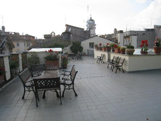 Casa di Santa Brigida: Portion of rooftop patio