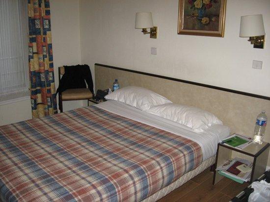 Lux Hotel Picpus: Room