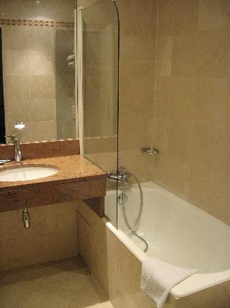 Lux Hotel Picpus: Bathroom