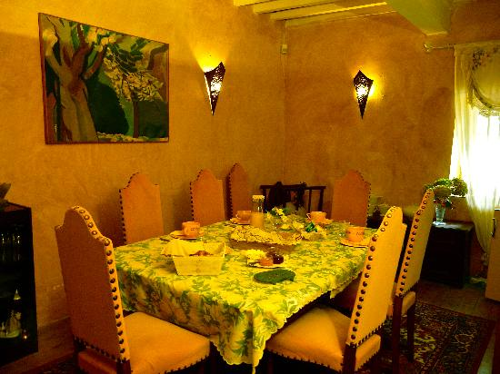 Colours of Pays Cathare: The cosy dining room