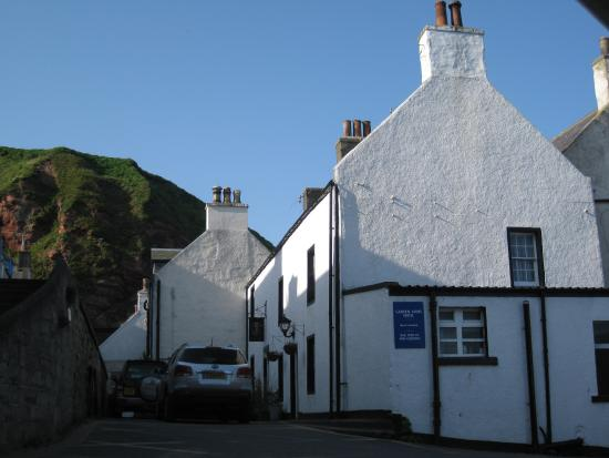 Gardenstown, UK: The charming Garden Arms hotel